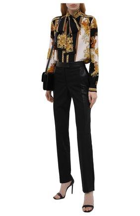 Женская шелковая блузка VERSACE разноцветного цвета, арт. 1001357/1A01171 | Фото 2 (Материал внешний: Шелк; Длина (для топов): Стандартные; Женское Кросс-КТ: Блуза-одежда; Рукава: Длинные; Принт: С принтом; Стили: Гламурный)
