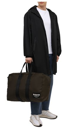 Мужская текстильная спортивная сумка ALEXANDER MCQUEEN хаки цвета, арт. 662867/1AABY | Фото 2 (Ремень/цепочка: На ремешке; Материал: Текстиль)