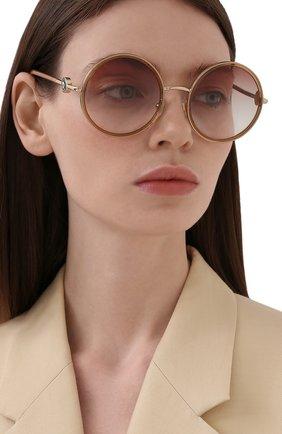 Женские солнцезащитные очки VERSACE бежевого цвета, арт. 2229-12520P | Фото 2