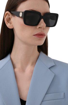 Женские солнцезащитные очки VERSACE черного цвета, арт. 4384B-GB1/87 | Фото 2