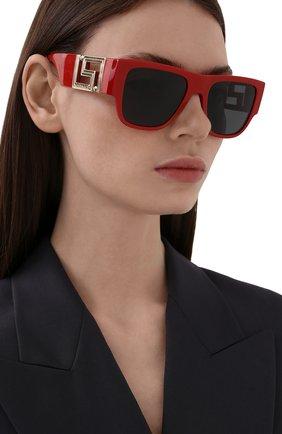 Женские солнцезащитные очки VERSACE красного цвета, арт. 4403-534487 | Фото 2