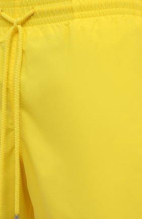 Мужские плавки-шорты VILEBREQUIN желтого цвета, арт. MOOC1A00/105 | Фото 5 (Принт: Без принта; Материал внешний: Синтетический материал; Мужское Кросс-КТ: плавки-шорты)