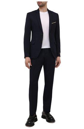 Мужские шерстяные брюки VERSACE темно-синего цвета, арт. 1001015/1A00982 | Фото 2 (Длина (брюки, джинсы): Стандартные; Материал внешний: Шерсть; Случай: Повседневный; Стили: Кэжуэл)