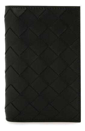 Мужской кожаная обложка для паспорта BOTTEGA VENETA черного цвета, арт. 629679/VCPQ6 | Фото 1