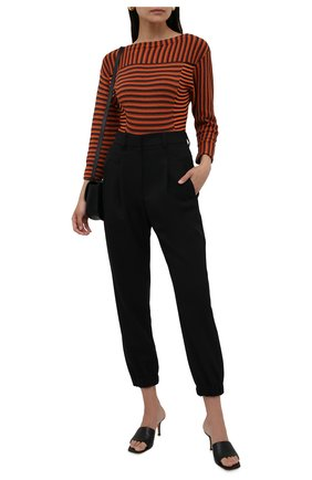 Женские шерстяные брюки BRUNELLO CUCINELLI черного цвета, арт. MA171P7776 | Фото 2 (Материал внешний: Шерсть; Силуэт Ж (брюки и джинсы): Прямые; Стили: Кэжуэл; Женское Кросс-КТ: Брюки-одежда; Длина (брюки, джинсы): Укороченные)