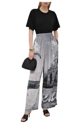 Женские брюки из вискозы BALENCIAGA серого цвета, арт. 658901/TKL93 | Фото 2