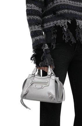 Женская сумка neo classic city mini BALENCIAGA серебряного цвета, арт. 638524/15YKY | Фото 2 (Материал: Натуральная кожа; Сумки-технические: Сумки top-handle; Ремень/цепочка: На ремешке; Размер: mini)
