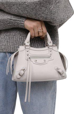 Женская сумка neo classic mini BALENCIAGA кремвого цвета, арт. 638524/15Y4Y | Фото 2 (Материал: Натуральная кожа; Сумки-технические: Сумки top-handle; Размер: mini; Ремень/цепочка: На ремешке)