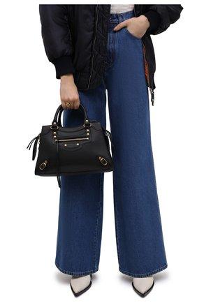 Женская сумка neo classic city s BALENCIAGA черного цвета, арт. 638521/11R51 | Фото 2 (Материал: Натуральная кожа; Сумки-технические: Сумки top-handle; Ремень/цепочка: На ремешке; Размер: medium)