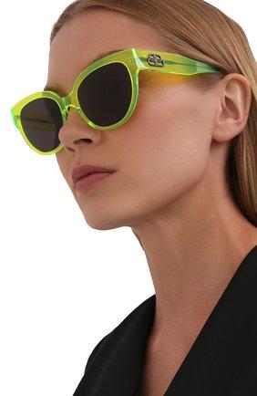 Женские солнцезащитные очки BALENCIAGA желтого цвета, арт. 584805/T0001 | Фото 2 (Тип очков: С/з; Оптика Гендер: оптика-женское; Очки форма: Cat-eye)