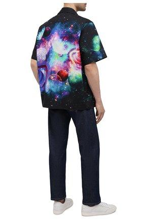 Мужская хлопковая рубашка VALENTINO черного цвета, арт. WV3AAA907KD | Фото 2 (Материал внешний: Хлопок; Случай: Повседневный; Рукава: Короткие; Стили: Кэжуэл; Длина (для топов): Стандартные)