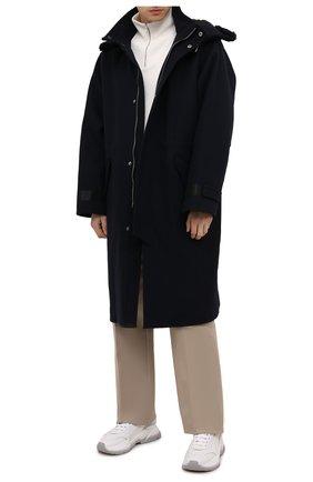 Мужской пальто из шерсти и кашемира GIORGIO ARMANI темно-синего цвета, арт. 1WG0L07X/T0200 | Фото 2 (Материал внешний: Шерсть; Рукава: Длинные; Длина (верхняя одежда): До колена; Материал подклада: Синтетический материал; Мужское Кросс-КТ: пальто-верхняя одежда; Стили: Кэжуэл; Застежка: Молния)
