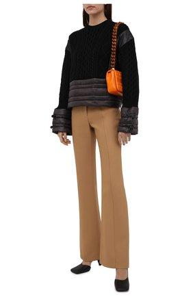 Женский свитер REDVALENTINO черного цвета, арт. WR3KC09M/63A | Фото 2 (Материал внешний: Синтетический материал, Шерсть; Длина (для топов): Стандартные; Материал подклада: Синтетический материал; Рукава: Длинные; Стили: Кэжуэл; Женское Кросс-КТ: Свитер-одежда)