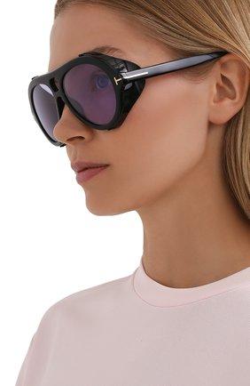 Женские солнцезащитные очки TOM FORD черного цвета, арт. TF882 | Фото 2