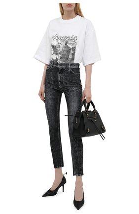 Женские джинсы BALENCIAGA черного цвета, арт. 657645/TJW70 | Фото 2