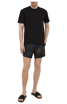 Мужские кожаные шлепанцы VERSACE черного цвета, арт. 1001184/DV46G | Фото 2