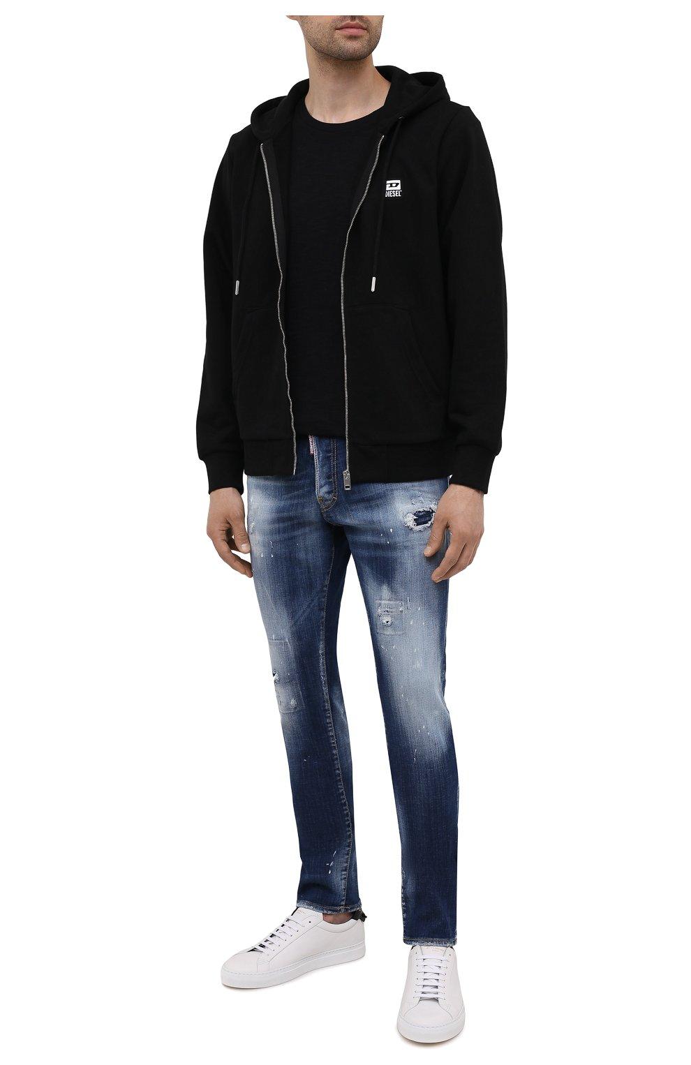Мужские джинсы DSQUARED2 синего цвета, арт. S74LB0954/S30342 | Фото 2 (Силуэт М (брюки): Узкие; Кросс-КТ: Деним; Длина (брюки, джинсы): Стандартные; Стили: Гранж; Материал внешний: Хлопок; Детали: Потертости)