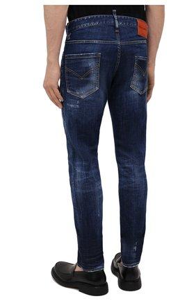 Мужские джинсы DSQUARED2 синего цвета, арт. S74LB1011/S30342 | Фото 4 (Силуэт М (брюки): Узкие; Кросс-КТ: Деним; Длина (брюки, джинсы): Стандартные; Стили: Гранж; Материал внешний: Хлопок; Детали: Потертости)