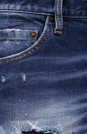 Мужские джинсы DSQUARED2 синего цвета, арт. S74LB1016/S30663   Фото 5 (Силуэт М (брюки): Узкие; Кросс-КТ: Деним; Длина (брюки, джинсы): Стандартные; Стили: Гранж; Материал внешний: Хлопок; Детали: Потертости)
