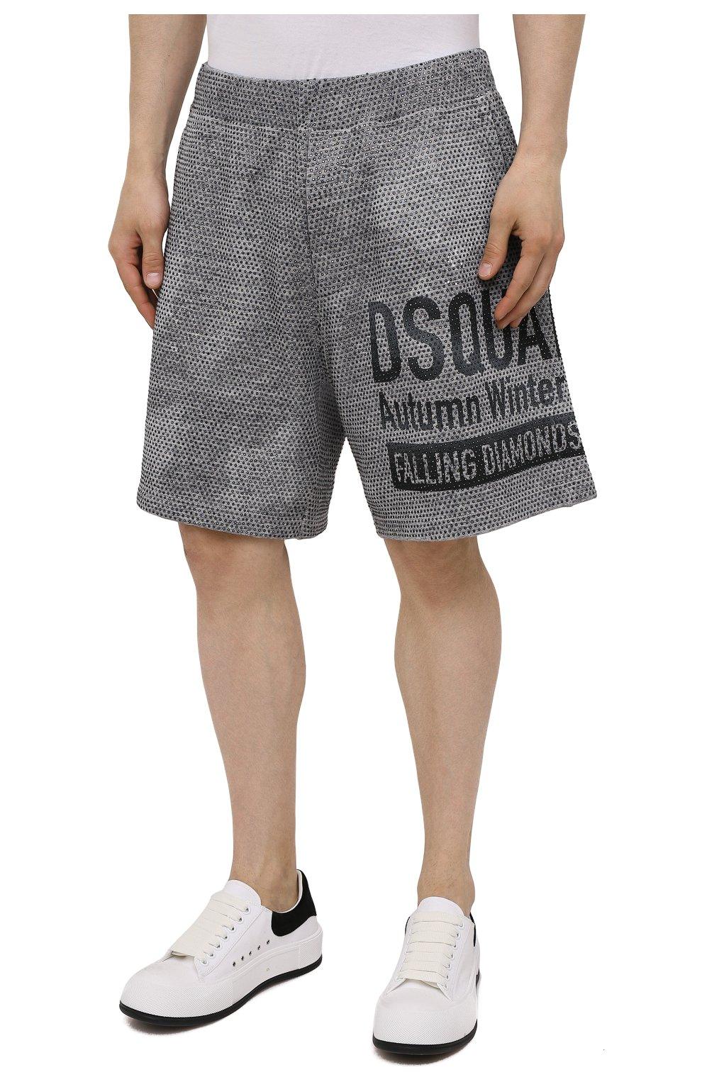 Мужские хлопковые шорты DSQUARED2 серого цвета, арт. S74MU0676/S25477   Фото 3 (Длина Шорты М: До колена; Принт: С принтом; Кросс-КТ: Трикотаж; Материал внешний: Хлопок; Стили: Спорт-шик)