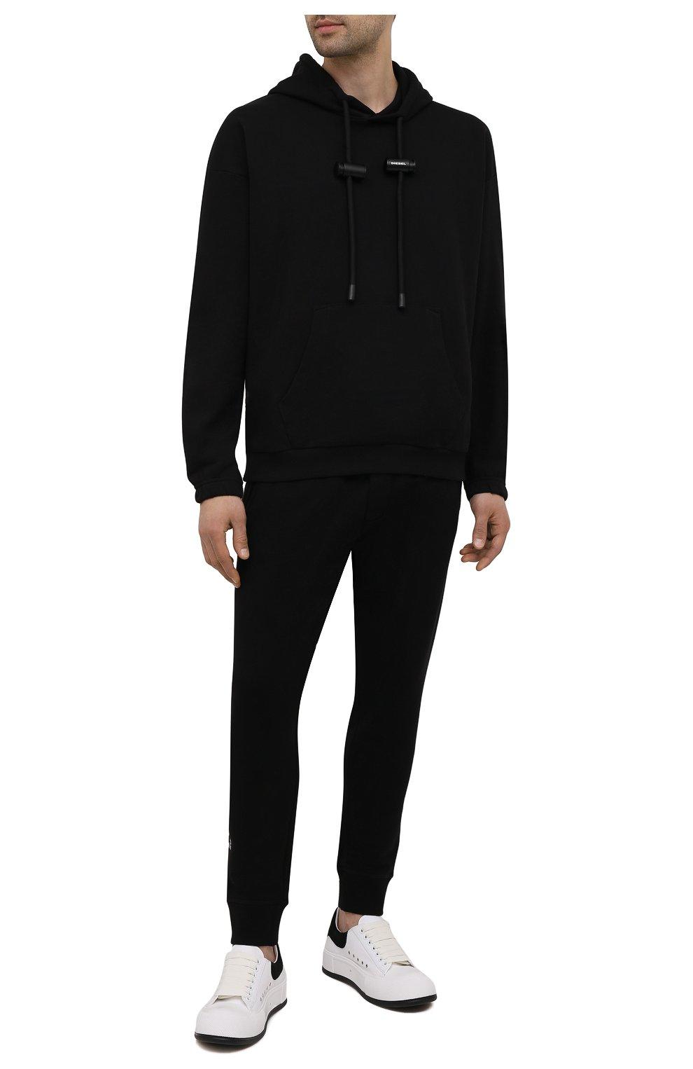 Мужские хлопковые джоггеры DSQUARED2 черного цвета, арт. S79KA0020/S25042 | Фото 2 (Мужское Кросс-КТ: Брюки-трикотаж; Длина (брюки, джинсы): Стандартные; Кросс-КТ: Спорт; Материал внешний: Хлопок; Стили: Спорт-шик; Силуэт М (брюки): Джоггеры)