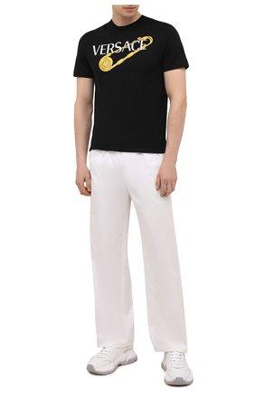 Мужская хлопковая футболка VERSACE черного цвета, арт. 1001295/1A00932   Фото 2