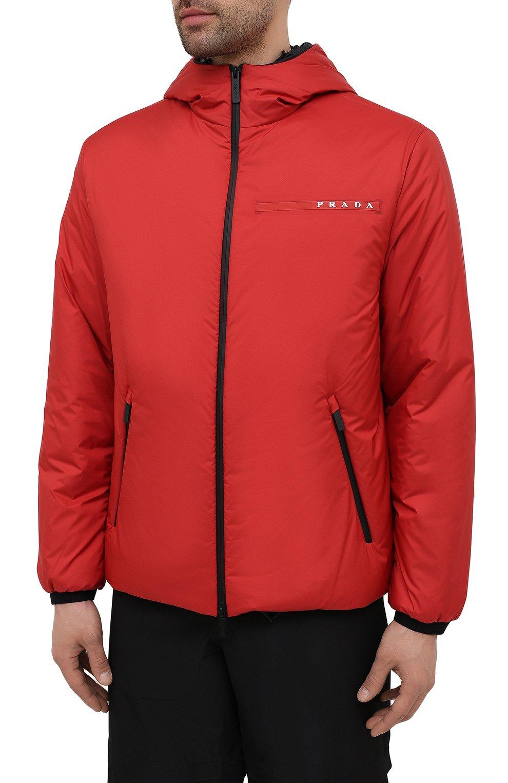 Мужская утепленная куртка PRADA красного цвета, арт. SGB296-1XYW-F0011-192   Фото 3 (Кросс-КТ: Куртка; Мужское Кросс-КТ: пуховик-короткий; Рукава: Длинные; Материал внешний: Синтетический материал; Длина (верхняя одежда): Короткие; Стили: Кэжуэл)