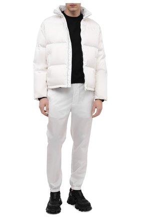 Мужские джоггеры PRADA белого цвета, арт. SPH109-1WQ8-F0009-211 | Фото 2 (Длина (брюки, джинсы): Стандартные; Материал внешний: Синтетический материал; Силуэт М (брюки): Джоггеры; Стили: Кэжуэл)