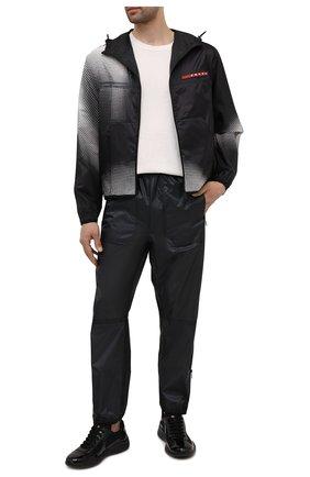 Мужские джоггеры PRADA черного цвета, арт. SPH95-1S0F-F0002-211 | Фото 2