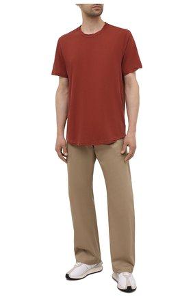 Мужская хлопковая футболка JAMES PERSE красного цвета, арт. MKJ3360 | Фото 2 (Материал внешний: Хлопок; Принт: Без принта; Рукава: Короткие; Длина (для топов): Удлиненные)