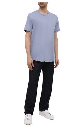 Мужская хлопковая футболка JAMES PERSE голубого цвета, арт. MKJ3360 | Фото 2 (Материал внешний: Хлопок; Принт: Без принта; Рукава: Короткие; Длина (для топов): Удлиненные)