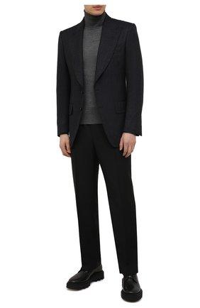 Мужской шерстяная водолазка TOM FORD темно-серого цвета, арт. BYM94/TFK120 | Фото 2 (Материал внешний: Шерсть; Мужское Кросс-КТ: Водолазка-одежда; Принт: Без принта; Стили: Кэжуэл; Длина (для топов): Стандартные; Рукава: Длинные)