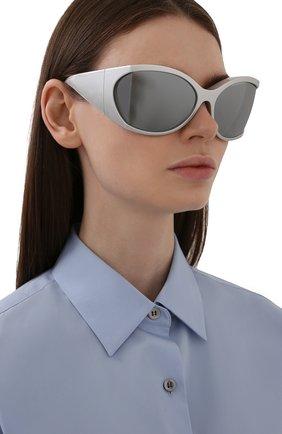 Женские солнцезащитные очки BALENCIAGA серебряного цвета, арт. BB0154S 003 | Фото 2