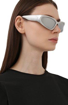 Женские солнцезащитные очки BALENCIAGA серебряного цвета, арт. BB0157S 004 | Фото 2