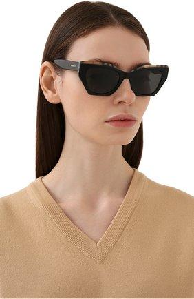 Женские солнцезащитные очки BURBERRY черного цвета, арт. 4299-382887 | Фото 2