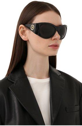 Женские солнцезащитные очки VERSACE черного цвета, арт. 4392-GB1/87 | Фото 2