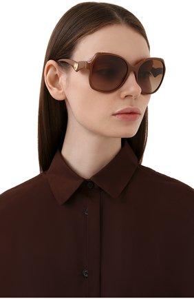 Женские солнцезащитные очки DOLCE & GABBANA коричневого цвета, арт. 6154-329213 | Фото 2