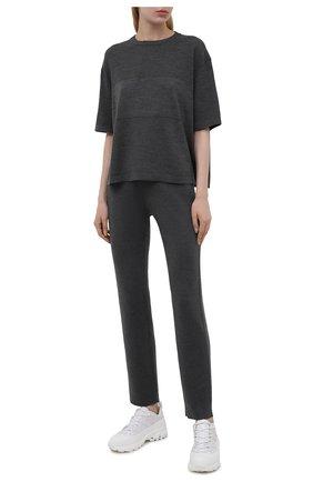 Женская шерстяная футболка LORO PIANA темно-серого цвета, арт. FAL6878 | Фото 2 (Рукава: Короткие; Материал внешний: Шерсть; Длина (для топов): Стандартные; Стили: Кэжуэл; Принт: Без принта; Женское Кросс-КТ: Футболка-одежда)