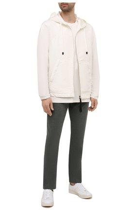 Мужские хлопковые брюки TOM FORD зеленого цвета, арт. BYJ39/TFD002 | Фото 2 (Материал внешний: Хлопок; Длина (брюки, джинсы): Стандартные; Силуэт М (брюки): Прямые; Случай: Повседневный; Стили: Кэжуэл)