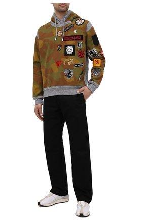 Мужской хлопковое худи DSQUARED2 серого цвета, арт. S74GU0543/S25477 | Фото 2 (Рукава: Длинные; Длина (для топов): Стандартные; Мужское Кросс-КТ: Худи-одежда; Стили: Милитари; Материал внешний: Хлопок)
