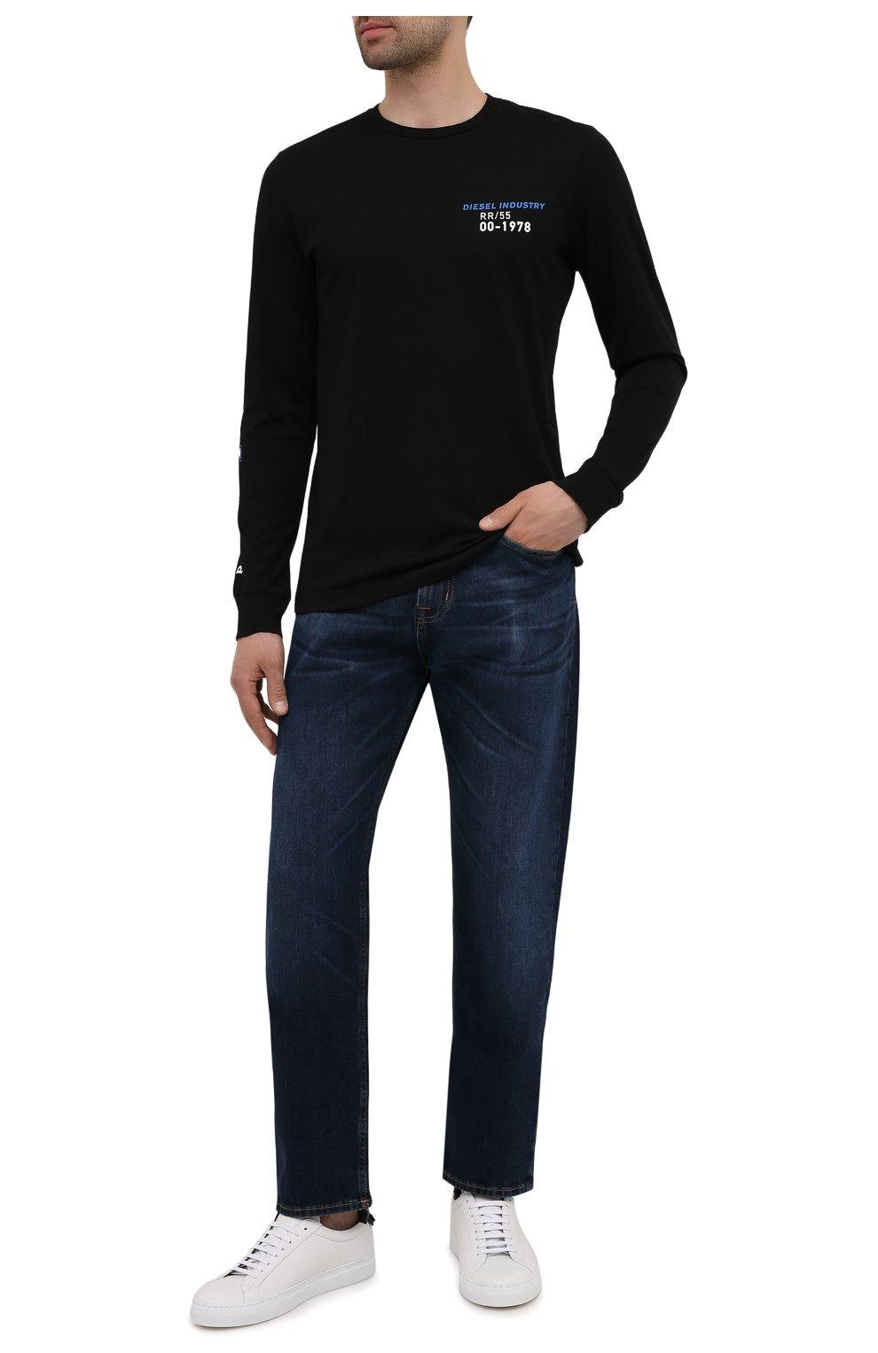 Мужские джинсы 7 FOR ALL MANKIND темно-синего цвета, арт. JS00L390DE   Фото 2 (Силуэт М (брюки): Прямые; Кросс-КТ: Деним; Длина (брюки, джинсы): Стандартные; Материал внешний: Хлопок; Детали: Потертости; Стили: Кэжуэл)