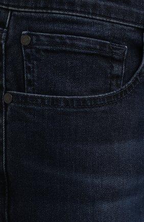 Мужские джинсы 7 FOR ALL MANKIND темно-синего цвета, арт. JSMXR460LL | Фото 5 (Силуэт М (брюки): Прямые; Длина (брюки, джинсы): Стандартные; Материал внешний: Хлопок; Стили: Кэжуэл)