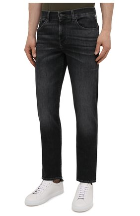 Мужские джинсы 7 FOR ALL MANKIND темно-серого цвета, арт. JSMSB820LG | Фото 3 (Силуэт М (брюки): Прямые; Длина (брюки, джинсы): Стандартные; Материал внешний: Хлопок; Стили: Кэжуэл)