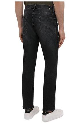 Мужские джинсы 7 FOR ALL MANKIND темно-серого цвета, арт. JSMSB820LG | Фото 4 (Силуэт М (брюки): Прямые; Длина (брюки, джинсы): Стандартные; Материал внешний: Хлопок; Стили: Кэжуэл)