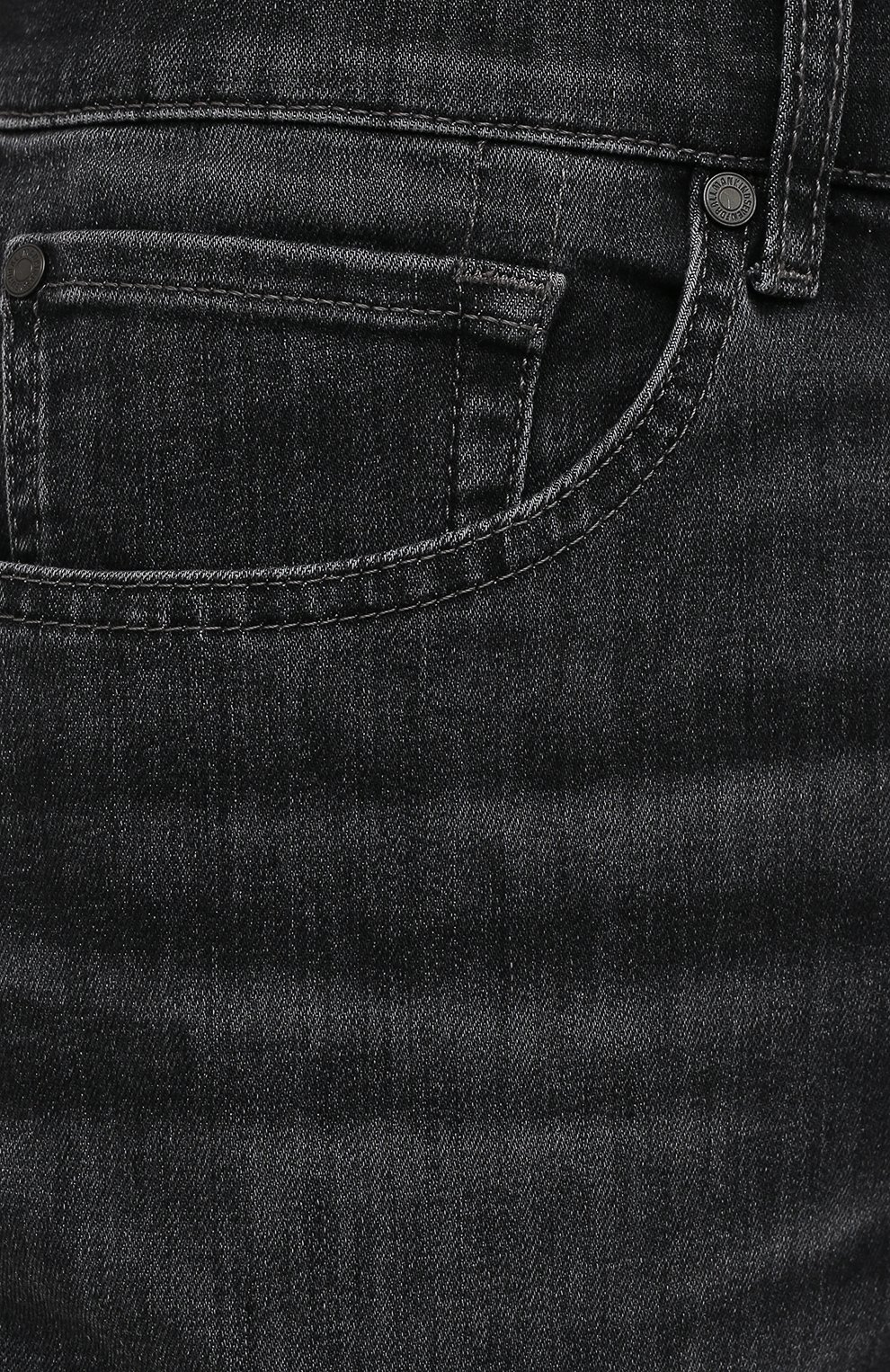 Мужские джинсы 7 FOR ALL MANKIND темно-серого цвета, арт. JSMSB820LG | Фото 5 (Силуэт М (брюки): Прямые; Длина (брюки, джинсы): Стандартные; Материал внешний: Хлопок; Стили: Кэжуэл)