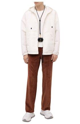 Мужские брюки TOM FORD коричневого цвета, арт. 2VER24/610041 | Фото 2 (Материал внешний: Синтетический материал, Хлопок; Длина (брюки, джинсы): Стандартные; Случай: Повседневный; Материал подклада: Купро; Стили: Кэжуэл)