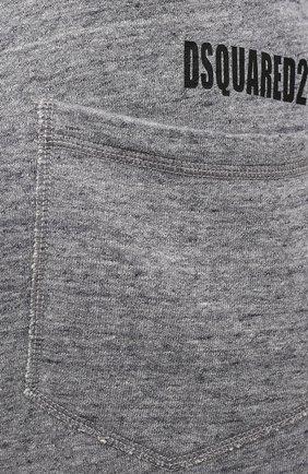 Мужские хлопковые джоггеры DSQUARED2 серого цвета, арт. S74KB0574/S25463   Фото 5 (Мужское Кросс-КТ: Брюки-трикотаж; Кросс-КТ: Спорт; Материал внешний: Хлопок; Стили: Спорт-шик; Силуэт М (брюки): Джоггеры; Длина (брюки, джинсы): Укороченные)