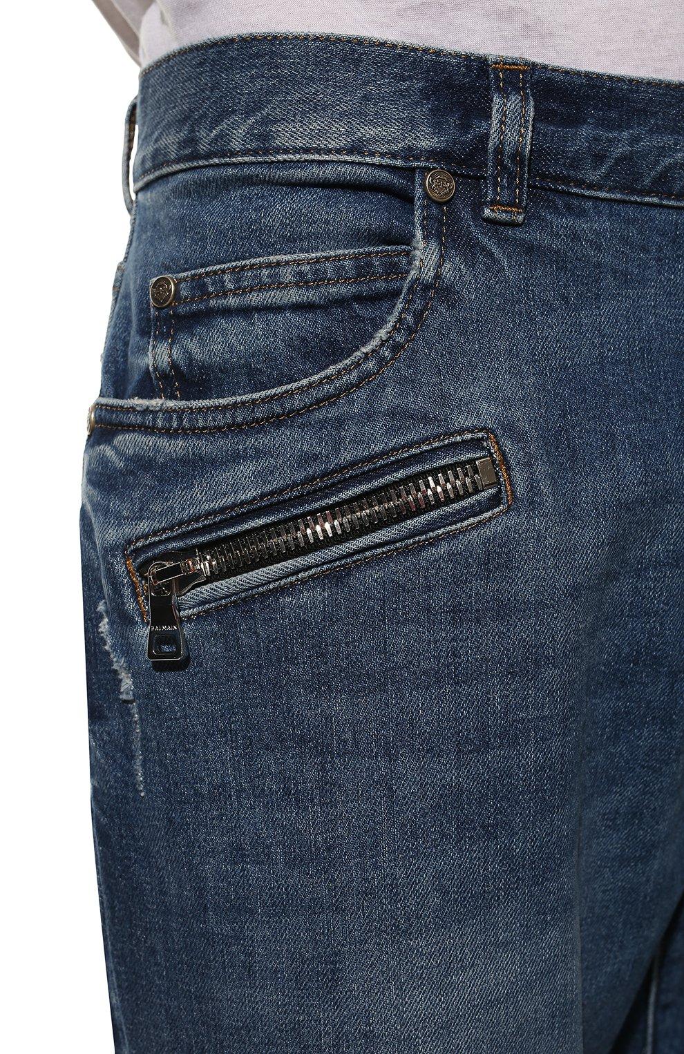 Мужские джинсы BALMAIN синего цвета, арт. WH1MH005/031D   Фото 5 (Силуэт М (брюки): Прямые; Кросс-КТ: Деним; Длина (брюки, джинсы): Стандартные; Стили: Гранж; Материал внешний: Хлопок; Детали: Потертости)
