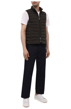 Мужской пуховый жилет EMPORIO ARMANI коричневого цвета, арт. 8N1BQ1/1NLRZ | Фото 2 (Материал внешний: Синтетический материал; Материал подклада: Синтетический материал; Длина (верхняя одежда): Короткие; Кросс-КТ: Куртка, Пуховик; Стили: Кэжуэл)