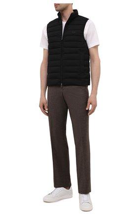 Мужской пуховый жилет EMPORIO ARMANI черного цвета, арт. 8N1BQ1/1NLRZ | Фото 2 (Материал подклада: Синтетический материал; Длина (верхняя одежда): Короткие; Материал внешний: Синтетический материал; Кросс-КТ: Куртка, Пуховик; Стили: Кэжуэл)
